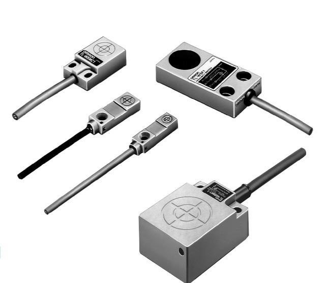 OMRON TL-W3MC1 2M Flat Inductive Proximity Sensor